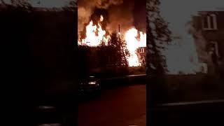 Пожар в Северо-Енисейске ул. 40 лет Победы 1б 6 августа 2020 г. -2